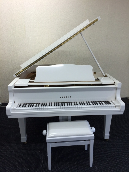 Yamaha G2 Grand Piano for hire